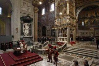 """El Papa dice que """"la felicidad tiene un nombre: Jesús de Nazaret"""""""