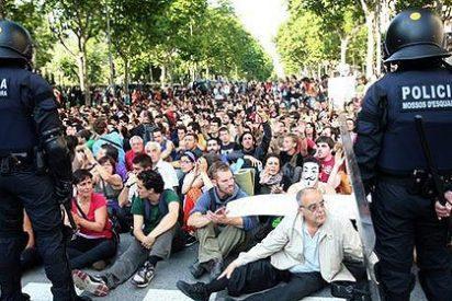 """Artur Mas dice que la salida de los diputados del Parlamento catalán será """"complicada"""""""