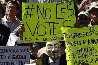 El PSOE de Rubalcaba coquetea en Twitter con el 15-M 'por si acaso'