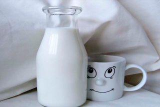 Paradojas: La leche es buena para dormir y follar quita el sueño