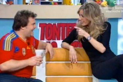 """El actor Jack Black se intenta ligar a Anna Simón en 'Tonterías las justas': """"Tengo hambre para tu boca ¿Quieres ser mi profesora de español esta noche?"""""""