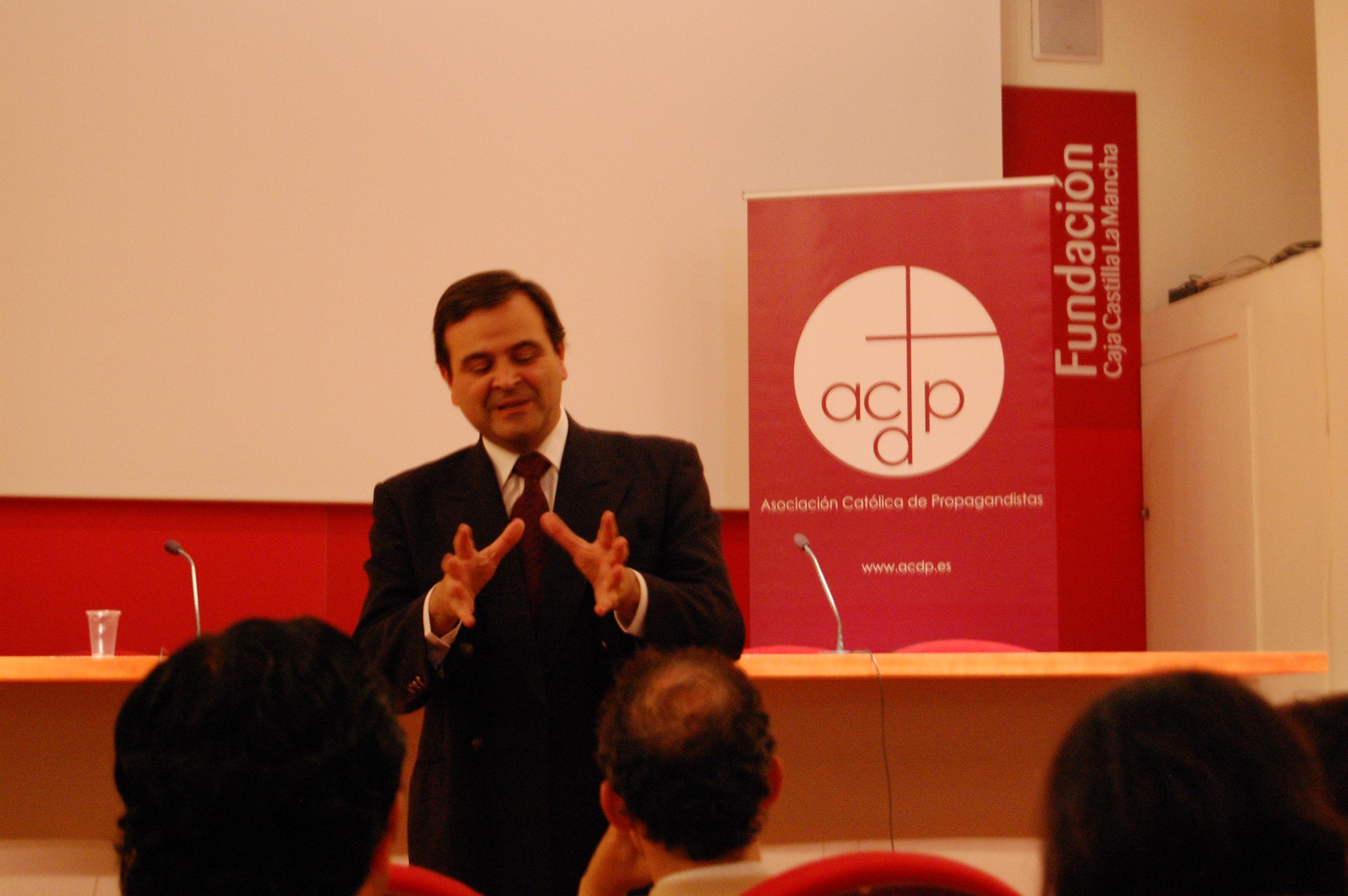 Conferencia en Talavera en torno a la emergencía educativa