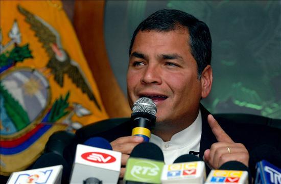 Tres años de prisión para periodistas demandados por Rafael Correa