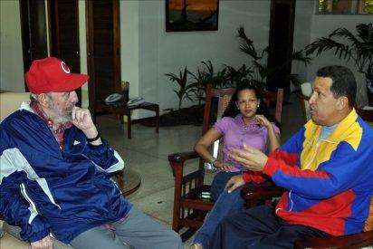 Chávez dice que le extrajeron un tumor y que tiene cáncer