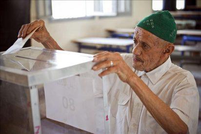 Los colegios electorales marroquíes abren sus puertas para votar el referéndum