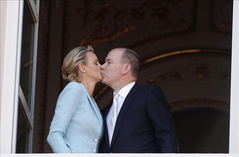 Boda religiosa y nuevo baño de masas hoy para los príncipes de Mónaco