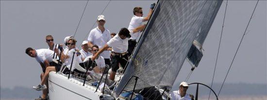 El Príncipe Felipe ya navega en el Aifos como patrón