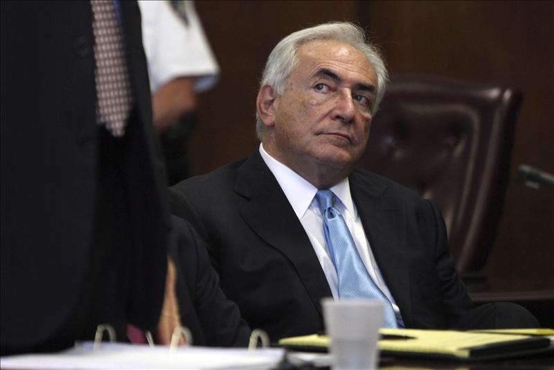 La mitad de los franceses a favor de que vuelva a la política Strauss-Kahn