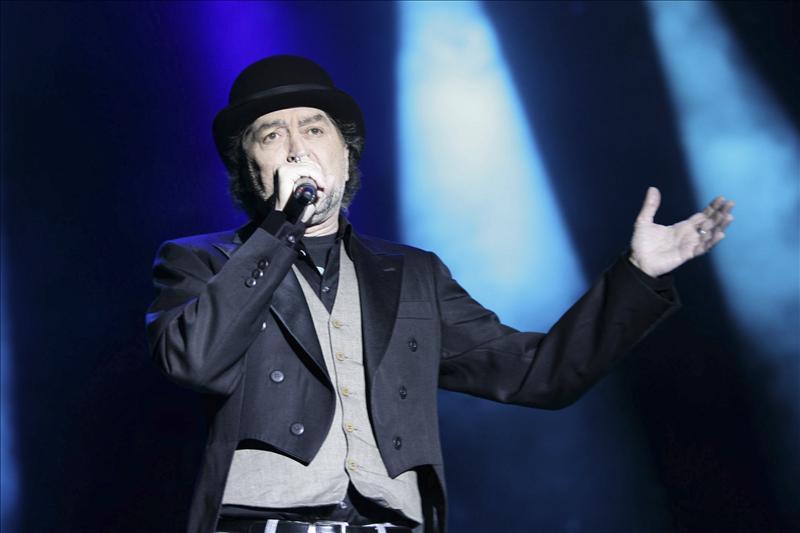 Más de 10.000 personas vibran en Gredos en el último concierto de Sabina