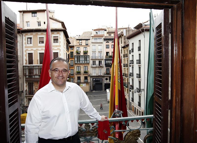El alcalde de Pamplona invita a disfrutar de unos Sanfermines acogedores