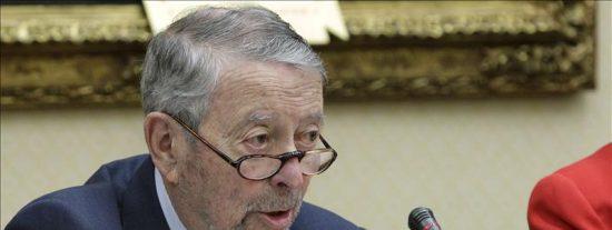 Alberto Oliart comunica a su equipo directivo su decisión de dimitir