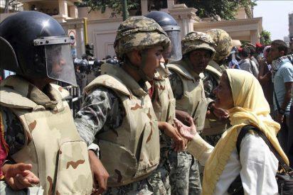 Denuncian el uso excesivo de la fuerza por los policías en los últimos disturbios en Tahrir