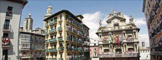 El chupinazo transforma Pamplona en la capital mundial de la fiesta