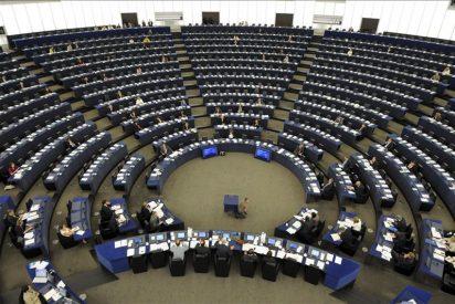 La Eurocámara censura el acuerdo de los 27 para limitar la libre circulación