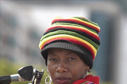 La cantante africana Fatoumata Diawará dice que en Mali la música es como la política