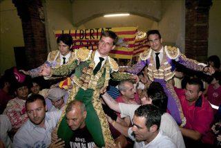 Gran tarde de toros en Barcelona con El Juli, Castellá y Manzanares