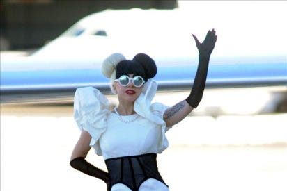 Lady Gaga durmió con perlas en las manos para espantar la soledad en Sídney