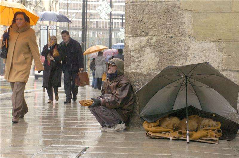 Aumenta un 15,7 por ciento el número de personas alojadas en centros para los sin hogar