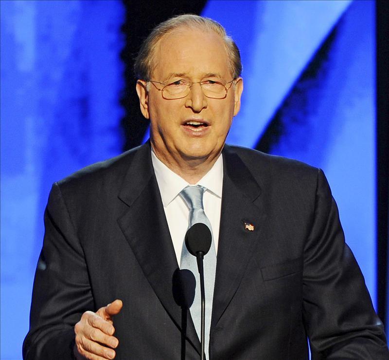 Senador demócrata pide una investigación sobre posible espionaje de estadounidenses