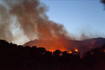 Los hidroaviones actúan sobre el incendio de Mallorca sin la necesidad de evacuar las casas
