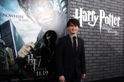 Harry Potter se dispone a hechizar las taquillas con el fin de sus aventuras