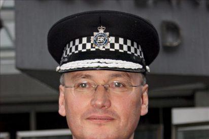 Scotland Yard niega que su comisario jefe aceptase el pago de un periodista