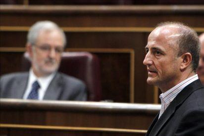 """Sebastián seguirá sin corbata """"diga lo que diga Bono"""""""