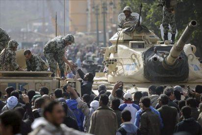 La Junta militar egipcia denuncia intentos de enfrentar al pueblo y el Ejército