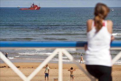 Rescatan el cadáver de una persona y buscan a otra en el mar en Vizcaya