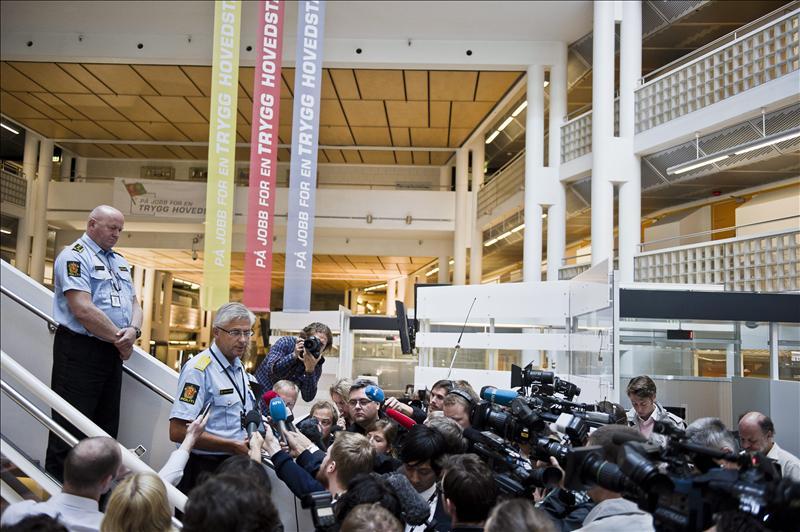 La Policía noruega considera posible que Breivik no actuara solo