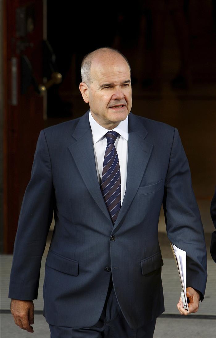 Manuel Chaves asegura que el Gobierno propondrá a las CCAA una regla de gasto en el CPFF de mañana