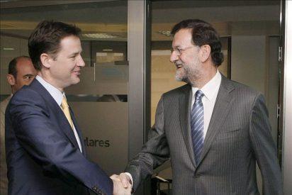 Rajoy recibe a Clegg en la sede del PP a petición del viceprimer ministro británico