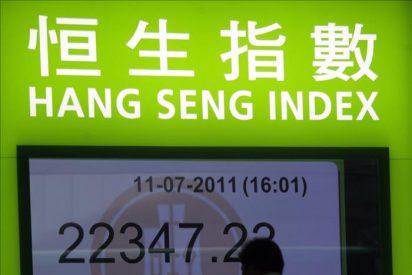 El índice Hang Seng baja 233,25 puntos, el 1,03 por ciento, a media sesión