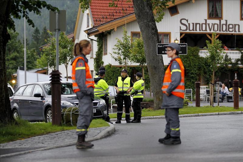 La policía noruega tenía orden de disparar a Breivik para poder detenerlo