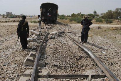 Unos desconocidos armados matan a once pasajeros de una camioneta en Pakistán