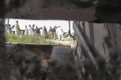 Un grupo de desconocidos armados mata a once pasajeros de una camioneta en Pakistán