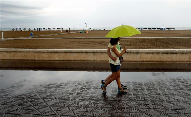 Seis comunidades en alerta naranja o amarilla por altas temperaturas o lluvia