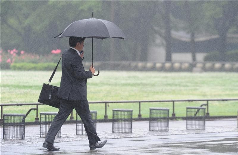 Tres muertos y tres desaparecidos por las lluvias en el norte de Japón