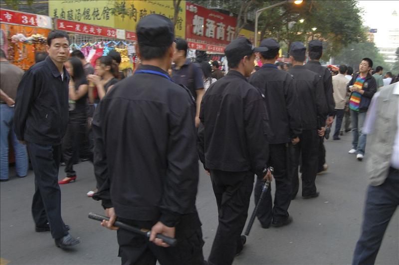 Siete muertos y 28 heridos en un ataque con cuchillos en la región china de Xinjiang