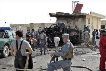 Doce policías y un menor mueren en un ataque suicida en Afganistán