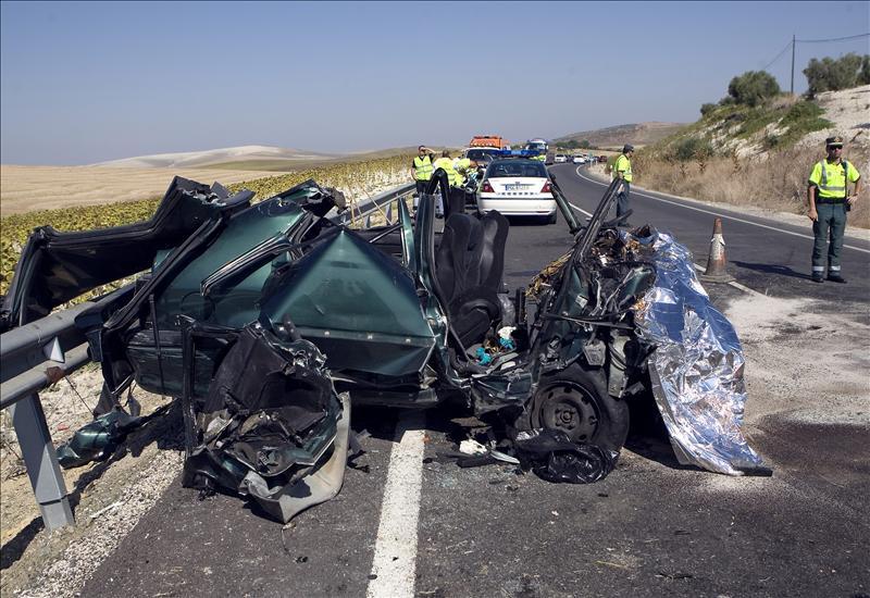 Tres muertos y siete heridos en un accidente en la localidad sevillana de Los Palacios