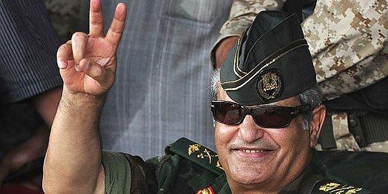 Una banda de matones asesina al jefe militar de los rebeldes libios