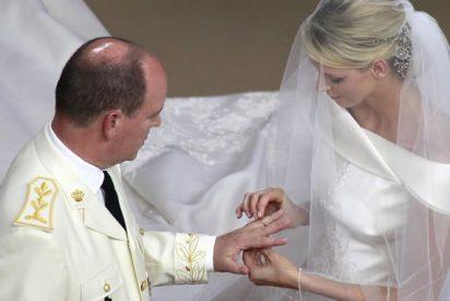 Alberto II y Charlene sellan su compromiso en una boda religiosa