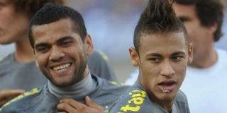 """Dani Alves: """"El diario Marca publicó una mentira, no hablé con Neymar sobre su futuro"""""""