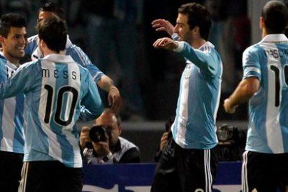 Argentina golea a Costa Rica (3-0) guiada por un Lionel Messi brillante