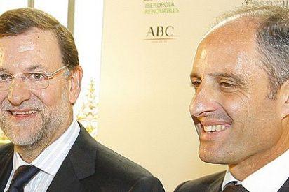 Rajoy pide a Camps que pague los 49.500 € de multa y acabe con el embrollo de los trajes