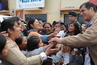 Rafael Correa quiere identificar a todos los que comentan y lo ponen a parir en las webs