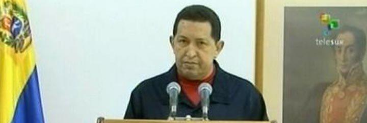 Hugo Chávez vuelve a Cuba para empezar la quimioterapia
