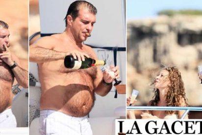 Un orondo Joan Laporta disfruta de sus vacaciones prefiriendo el francés Moët Chandon antes que el cava catalán