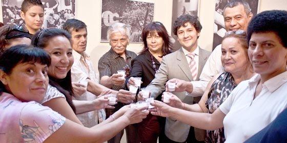 """Asociación Felipe Pinglo Alva inauguró """"Exposición de Fotografía y Pintura de la Música Criolla del Perú"""""""